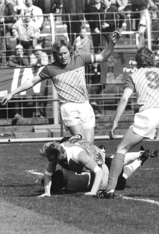 Union-Angreifer Ralf Sträßer im Oberligaspiel im April 1987 gegen den FC Karl-Marx-Stadt